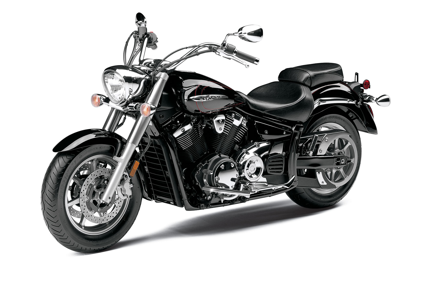 2013-Yamaha-V-Star-1300-Front-Side-Angle1