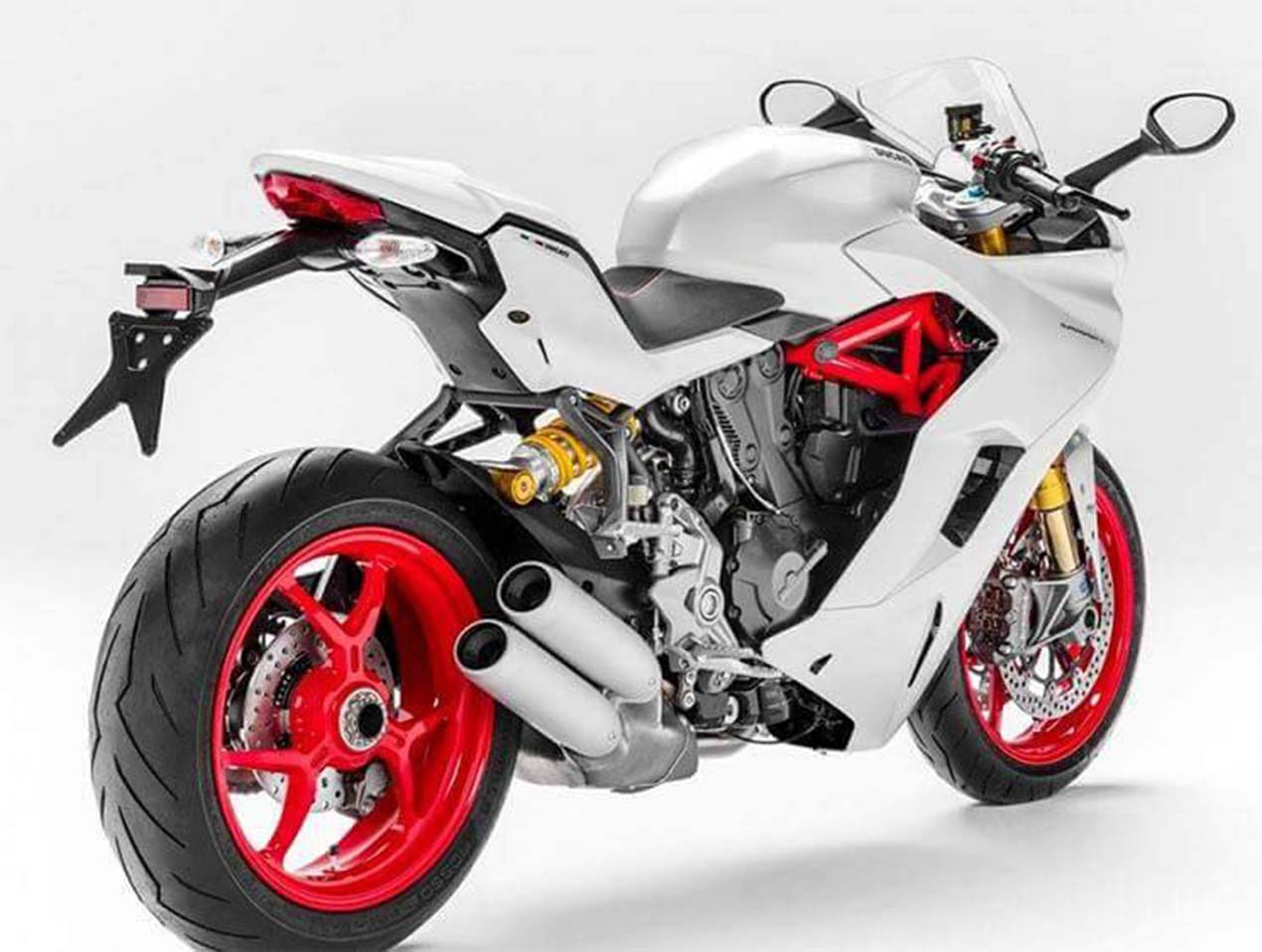 2017 Ducati SuperSport INTERMOT leak 03 1