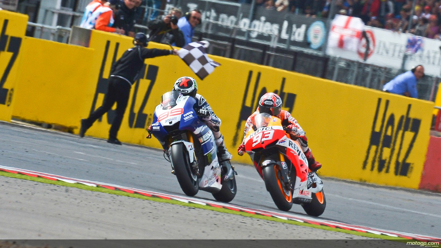 2013 motogp insane race as lorenzo claws back silverstone victory 1