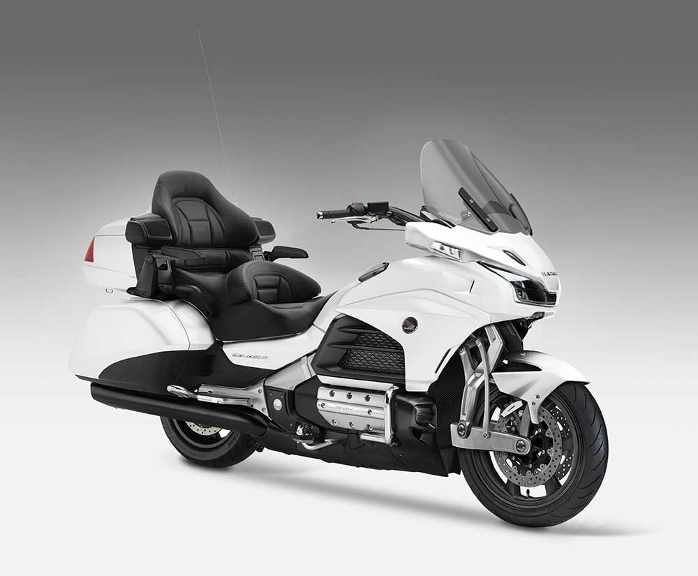 2018 honda gold wing leaks out with new front suspension 119593 1