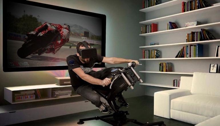 LeanGP ги носи тркачките мотоцикли директно во вашата соба