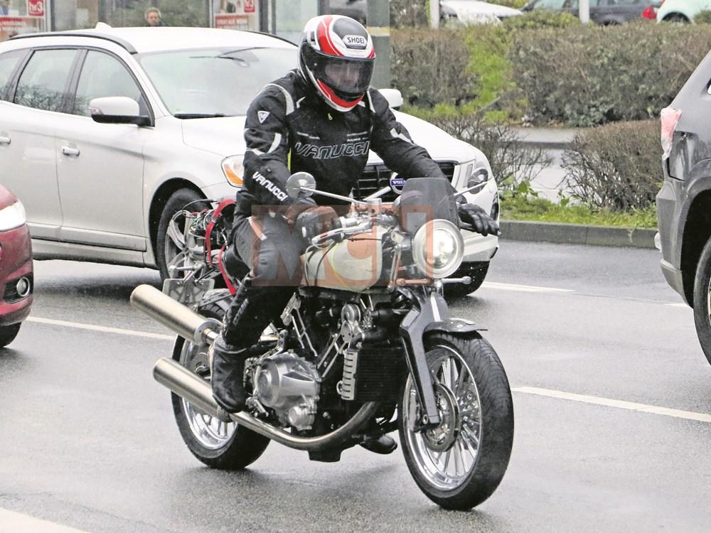 ekskluzivni-fotografii-od-noviot-motocikl-na-brough