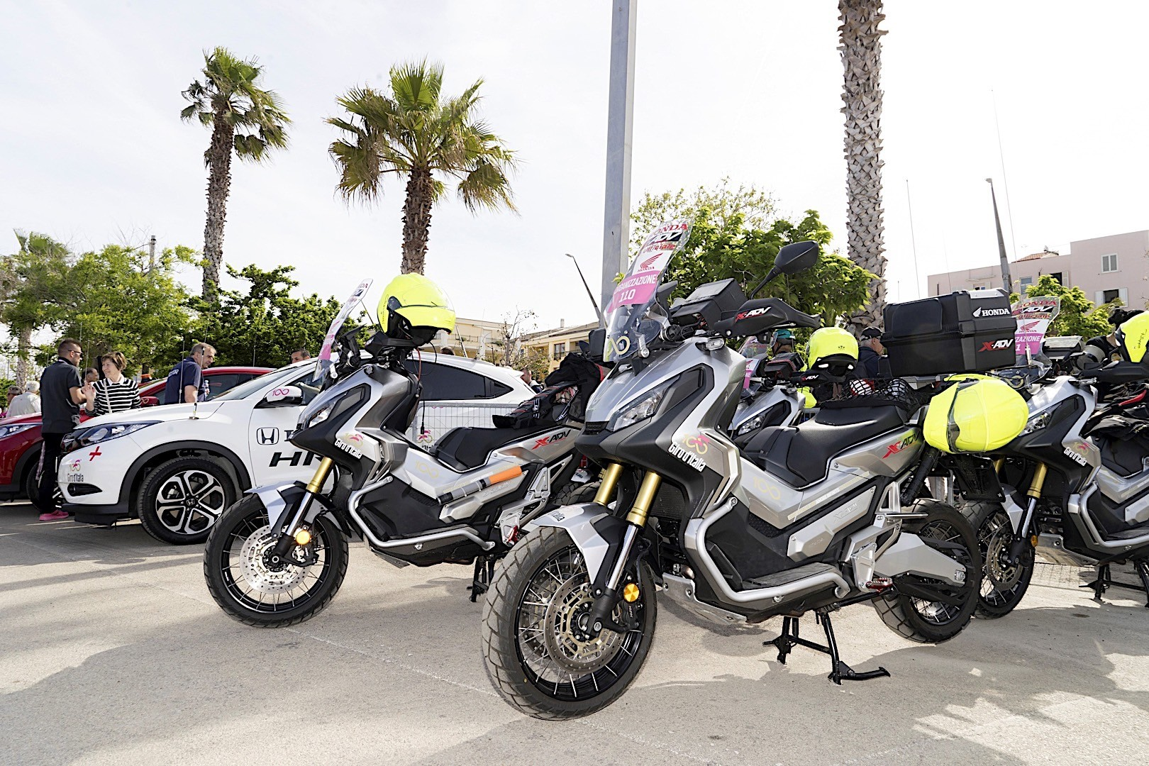 honda supplies escort motorcycles for giro ditalia 3