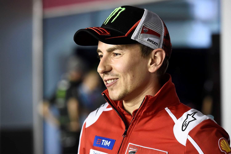 MotoGP  Лоренцо сака да помине повеќе време на мотоциклот